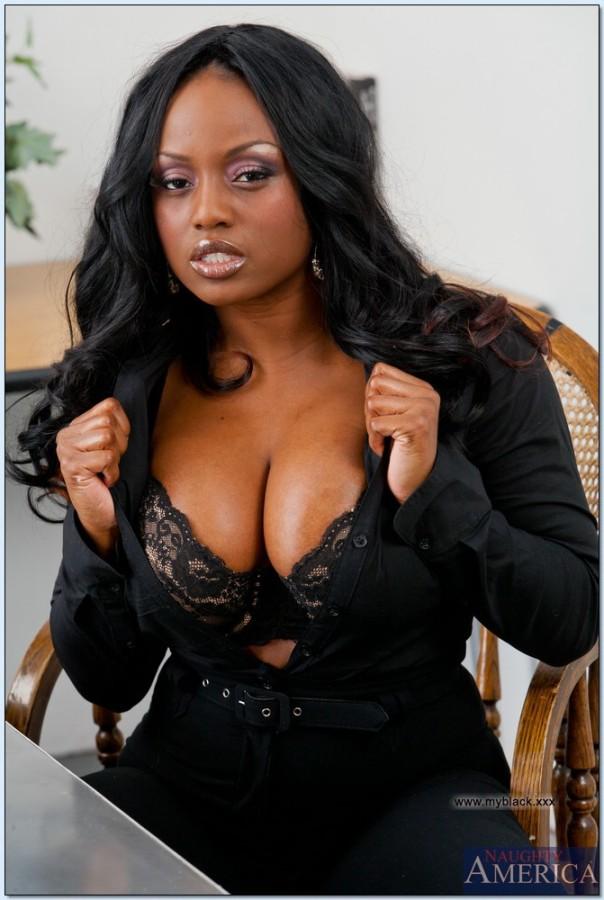 pussy-jada-fire-sexy-stripping