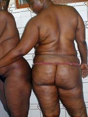 Hot naked tattood babes